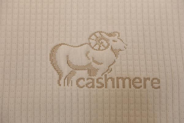 Capa de aire de punto suave de lana